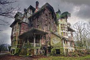 derelict house....needs restoring.